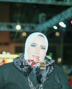 شاهد رانيا يونس تعود من امريكا الي مصر للعمل كعارضة ازياء